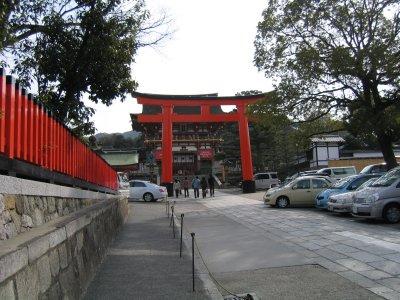 伏見稲荷入口.jpg